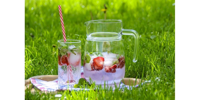 Beat the Heat with Ice Cold Drinks