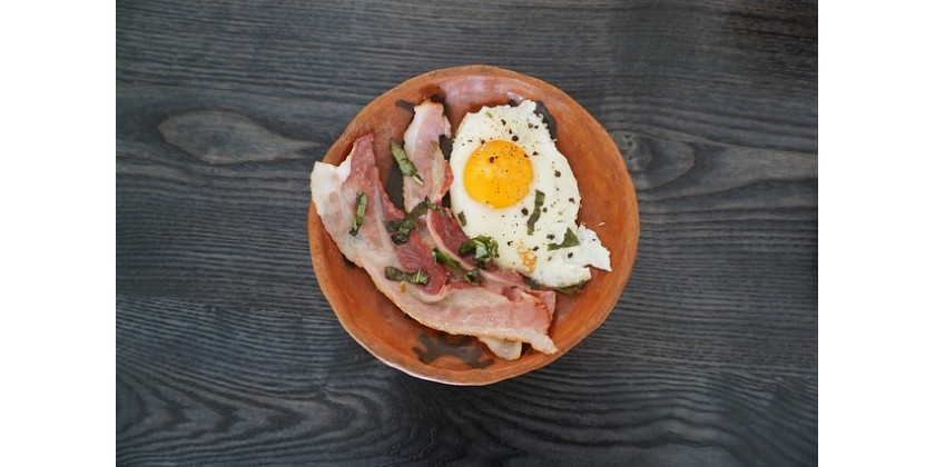 Grill Eggs And Bacon Like a Pro
