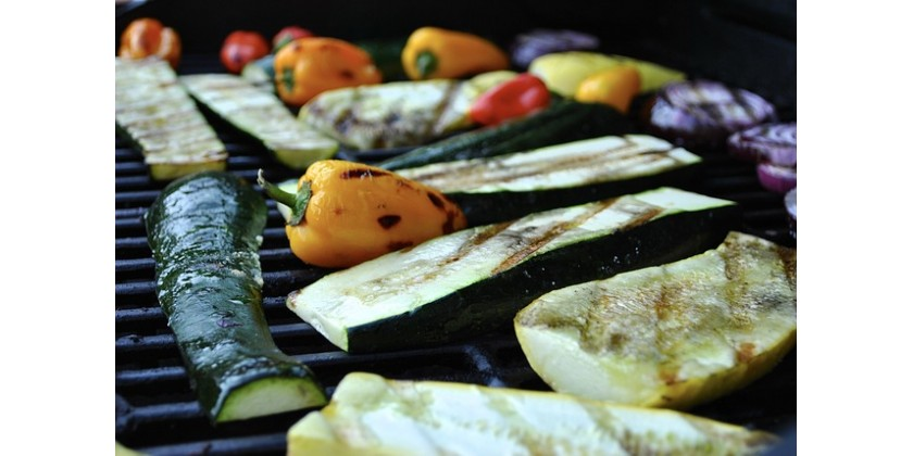 Why All Commercial Kitchens Must Have a Solid Top Gas Griller